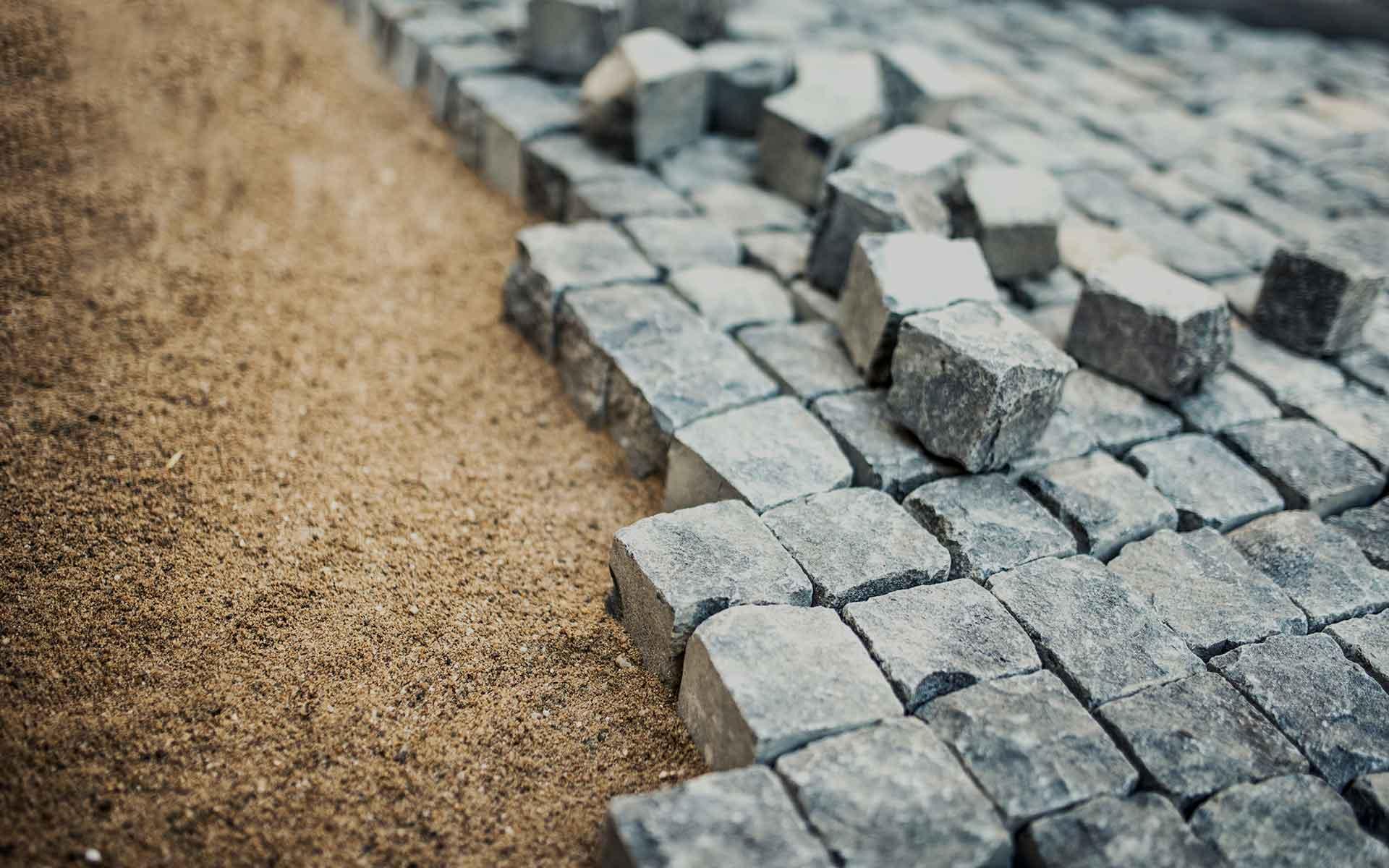 Pavimento In Pietra Naturale : Pavimentazione esterna in pietra naturale patrik porfidi